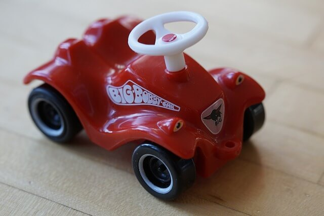 車のおもちゃ